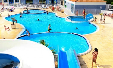 Pool Camping Les Aventuries de la Calypso