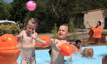 Børnefaciliteter og aktiviteter