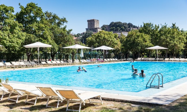 Camping parco delle piscine tuscany italy allcamps for Camping delle piscine sarteano