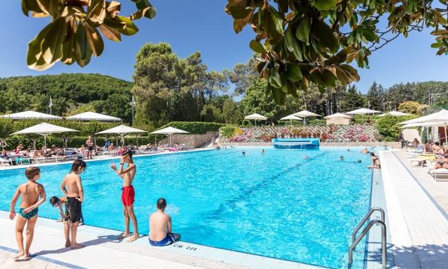 Camping parco delle piscine toscane vergelijk for Camping parco delle piscine toscane
